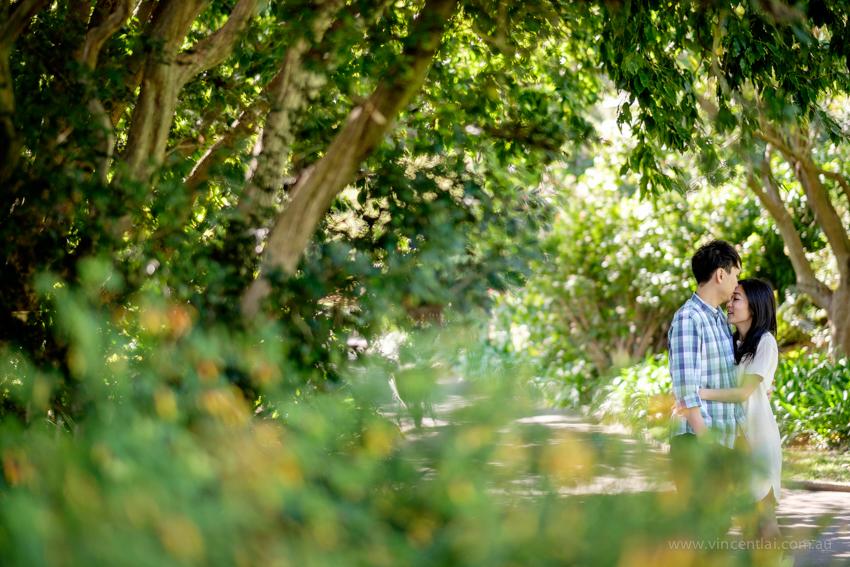 Royal Botanic Garden engagement photo