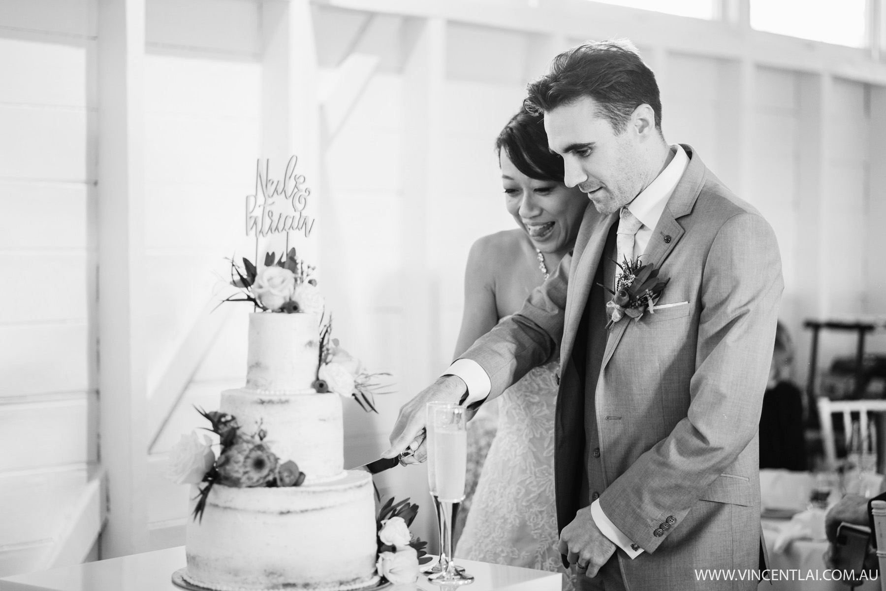 Wedding at Athol Hall Ashton Park Cake cutting