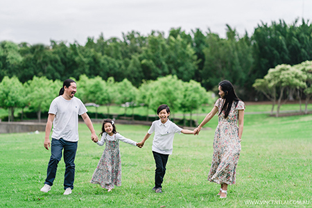 Family Photo Session at Bicentennial Park